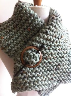 The MISTRAL  warm hand knitted green/grey scarf by fiadietz, €22.50