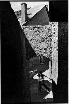 Henri Cartier-Bresson - Hautes-Alpes. Briançon. 1951.