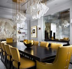 A dining room decor to make your guests feel envy! Grab the best dining room decor ideas to make your dining room design be the best when it comes to modern dining rooms designs. A best of when it comes to interior design ideas. Elegant Dining Room, Luxury Dining Room, Dining Room Sets, Dining Room Design, Dining Room Table, Dining Room Furniture, Furniture Design, Room Chairs, Luxury Furniture