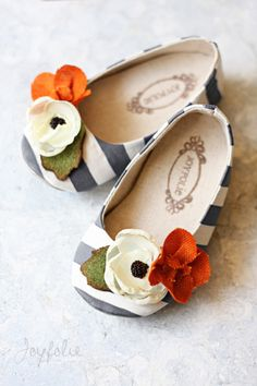 Joyfolie makes so many beautiful shoes! Slate-striped shoes with orange, green, and red accents, by Jessica Haley of Joyfolie. Little Doll, My Little Girl, Little Princess, Baby Girl Shoes, My Baby Girl, Girls Shoes, Cute Kids, Cute Babies, Baby Kids