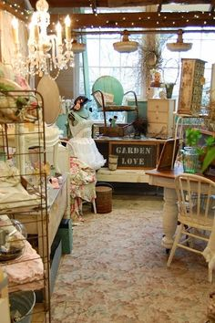 Tips for Dealers and Vendors with BOOTH Spaces at Antique Malls and Shows - booth inspiration, vintage displays ideas, increasing sales, and more. Antique Booth Displays, Antique Mall Booth, Antique Booth Ideas, Craft Booth Displays, Booth Decor, Vintage Display, Display Ideas, Antique Shops, Display Wall