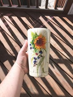 ITEM DETAILS: Tumblers are double-walled and vacuum-sealed, ensuring cold drinks stay cold and hot drinks stay hot for hours. All tumblers include a lid w Diy Tumblers, Custom Tumblers, Glitter Tumblers, Monogram Cups, Tumblr Cup, Crackle Painting, Cup Crafts, Painted Cups, Cute Cups