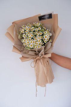 Boquette Flowers, Beautiful Bouquet Of Flowers, Luxury Flowers, Simple Flowers, My Flower, Beautiful Flower Arrangements, Dried Flowers, Floral Arrangements, Flower Aesthetic