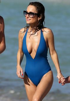 Giada De Laurentiis in a Swimsuit at a Beach in Miami - – Celeb Central Linda Carter, Giada De Laurentiis, Fishing Girls, Celebs, Celebrities, Swimsuits, Swimwear, Girl Photos, Bikini Girls