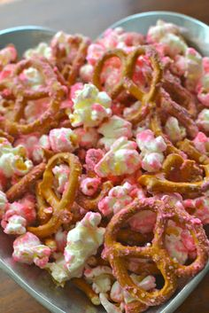 Valentines Day Snack Mix ~I'll eat this as I sit watching the Notebook.
