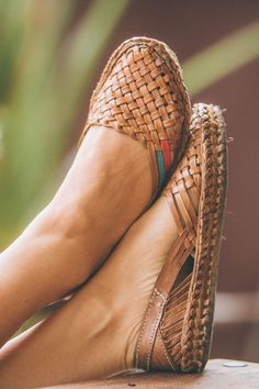 Meticulously handcrafted by Mohinders' partner artisan's cooperative in rural India, these flats are extremely comfy and the breathable weave makes them perfect for warm weather. MATERIALS - Vegetable