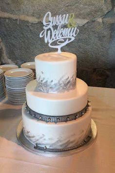 Purppurahelmi: Hääkakku niittivyöllä Cake, Desserts, Food, Tailgate Desserts, Deserts, Mudpie, Meals, Dessert, Yemek