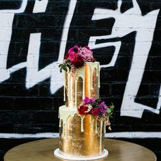gold leaf drip wedding cake
