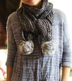 Tintinnio scarf with roving pom poms