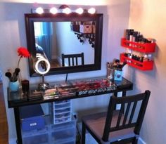 You can make your own beautiful and charming DIY vanity table on a very low budget. DIY vanity table ideas teach you that how you can organize your makeup products in a maintenance style. Diy Vanity, Vanity Ideas, Vanity Set, Ikea Vanity, Corner Vanity, Vanity Shelves, Vanity Room, Closet Vanity, Makeup Shelves