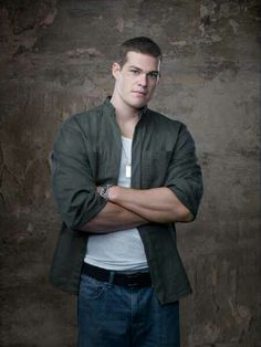 Greg Finley~ aKa Drake In His New Show Star~Crossed I Like Him More On This Show Then On Secret Life.