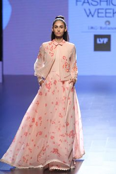Love this peachy pink outfit by Neeta Lulla #LIFW #LIFW2016 #summer #Frugal2Fab
