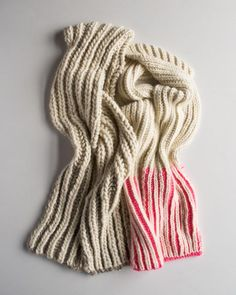 Color dipped scarf -