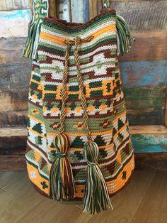 Borsa all'uncinetto tecnica wayuu tapestry di creaconlemani
