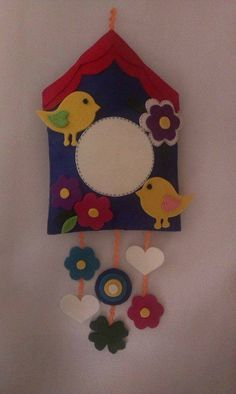 kapı süsü Felt Crafts, Fabric Crafts, Diy And Crafts, Crafts For Kids, Arts And Crafts, Paper Crafts, Felt Wall Hanging, Felt Bookmark, Felt Baby
