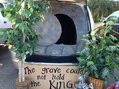Fall Carnival Trunk or Treat - God's Work - Christian - The grave could not hold the KING - FBC Tallulah, LA Halloween Car Decorations, Halloween Treats, Halloween Pumpkins, Fall Halloween, Halloween Images, Trunk Or Treat, Christian Halloween, Fall Carnival, Halloween Traditions