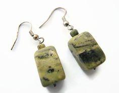 Green serpentijn earrings handmade beaded by FlorenceJewelshop