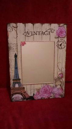 Flower Picture Frames, Mirrored Picture Frames, Decoupage Vintage, Decoupage Ideas, Crafts To Make, Diy Crafts, Country Paintings, Pallet Art, Home And Deco