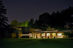 The Coolest Airbnb in Every State: Wisconsin Frank Lloyd Wright House Two Rivers Wisconsin, Frank Lloyd Wright Homes, Home Still, Unique Vacations, Usonian, Famous Architects, Dream Home Design, House Design, Architectural Digest