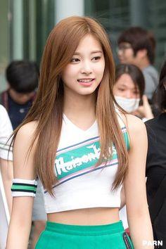 Tzuyu - Twice Pretty Asian, Beautiful Asian Women, Beautiful People, Kpop Girl Groups, Kpop Girls, Cute Asian Girls, Cute Girls, Korean Beauty, Asian Beauty