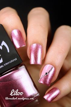 What you need to know about acrylic nails - My Nails Hot Nails, Pink Nails, Hair And Nails, Gorgeous Nails, Pretty Nails, Nagellack Design, Cute Nail Designs, Fingernail Designs, Pedicure Designs