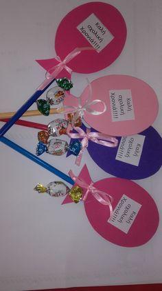 Easy valentine crafts for kids to make Cute Kids Crafts, Preschool Crafts, Student Gifts, Teacher Gifts, Valentine Crafts For Kids, Valentine Ideas, Valentines, Art Drawings For Kids, Back To School Gifts
