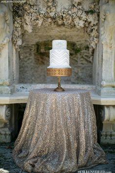 Simple cake display.