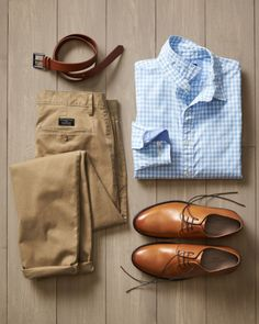 Business Casual Attire For Men, Men Casual, Stylish Mens Outfits, Casual Outfits, Casual Shirts, Mens Designer Shoes, Mens Fashion Blog, Men Style Tips, Mens Clothing Styles