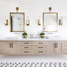 Mixing metals in a bathroom vanity. #lindyegallowayinteriors Design: Lindye Galloway Interiors