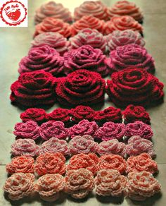 Crochet Roses Roses and Hearts - Jam made - For You Hello friends! Here we are almost to the end of January 2014 and this is my first post of the year. I must admit to suffering some serious burn out, though I am back and busy maki Crochet Video, Knit Or Crochet, Crochet Motif, Crochet Crafts, Yarn Crafts, Crochet Stitches, Crochet Projects, Knitted Flowers, Crochet Flower Patterns