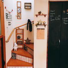 rie1128さんの、玄関/入り口,ダイソー,階段,DIY,黒板塗料,リメイクシート,RC九州支部,しゃれとんしゃあ会,マグネット塗料,76組,mucさん☆,mosaic star☆,のお部屋写真
