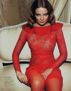 spinningbirdkick: Camilla Akrans / Vogue Nippon Août de 2010.