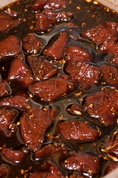 Garlic, bay leaves, red wine, herbs and more are combined to make this mouthwatering marinade. It is perfect for enhancing the gamey taste of venison. Elk Recipes, Wild Game Recipes, Venison Recipes, Cooking Recipes, Deer Steak Recipes, Venison Meals, Cooking Venison Steaks, Beef Steaks, Cooking Game