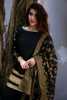 Stylish Actress Hareem Farooq Wardrobe by Pakistani Designers : we see Hareem Farooq wearing Zainab Chottani, Maria B dress, Sapphire and Sania Maskatiya outfit Pakistani Models, Pakistani Designers, Pakistani Actress, Stylish Dresses For Girls, Casual Dresses, Fashion Dresses, Simple Pakistani Dresses, Pakistani Dress Design, Pakistani Fashion Party Wear