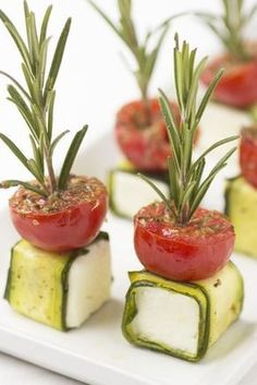 Clever-and-Innovative-Food-Presentation-IdeasYou can find Catering food and more on our website.Clever-and-Innovative-Food-Presentation-Ideas Snacks Für Party, Appetizers For Party, Appetizer Recipes, Tomato Appetizers, Canapes Recipes, Fingerfood Party, Cheese Appetizers, Appetizer Ideas, Party Drinks