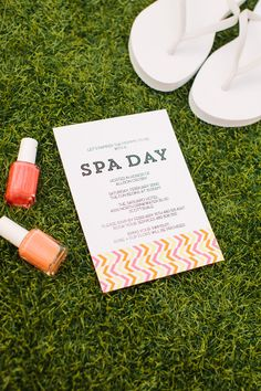 Free Printable Spa Day Invitation | Designed by The TomKat Studio http://www.thetomkatstudio.com/spababyshower/