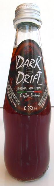 Moderný osviežujúci taliansky kávový nealkoholický perlivý nápoj DARK DRIFT v našej ponuke. Pozvite sa na ľadovú kávu ...... www.obchodsvinom.sk ..... #darkdrift #sparkling #nonalcoholic #nealko #nealkoholicky #bezalkoholu #napoj #drink #limonada #malinovka #kava #coffee #syteny #perlivy #sumivy #dark #drift #osviezenie #kavovy #pijemekavu #taliansko #italy #italia