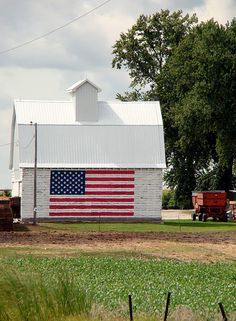 USA Flag on Barn by Paul Hamby images, via Flickr