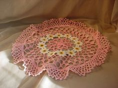 Antique Vintage Pink Doily with White Daisy Flowers 15 inch Round Lacy N169 Seller florasgarden on ebay