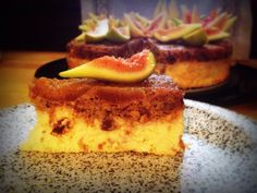 Upside down fig cheesecake with sheep ricotta cheese, pecans and Modica chocolate chops