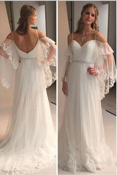 Buy A Line Spaghetti Straps Sweetheart Lace Illusion Sleeves Backless Beach Wedding Dresses in uk.Shop our beautiful collection of unique and convertible long Prom dresses from PromDress.uk,offers long bridesmaid dresses for women in the UK. Romantic Bohemian Wedding Dresses, Retro Wedding Dresses, Princess Wedding Dresses, Long Bridesmaid Dresses, Bridal Dresses, Wedding Gowns, Backless Wedding, Lace Wedding, Prom Dresses