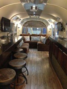 49 Graceful Airstream Interior Design Ideas - Modul Home Design Airstream Rental, Airstream For Sale, Airstream Living, Airstream Campers, Airstream Remodel, Airstream Renovation, Airstream Interior, Trailer Interior, Cars