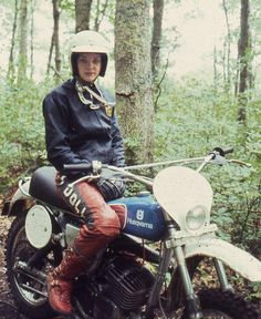 I can't tell if this is a vintage photo because this is how my dirtbike buddies and I roll on old 70s dirtbikes, but I like it!