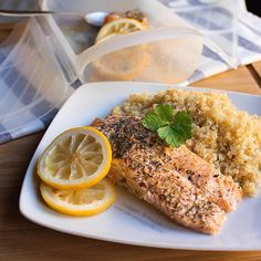 Tupperware, Meatloaf, Salmon Burgers, Salad Recipes, Steak, Meals, Cooking, Ethnic Recipes, Food