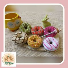 These crochet donuts are the perfect pretend play item for your little girl. Perfect for a kids gift. Crochet Mandala, Crochet Doilies, Kids Play Food, Crochet Food, Fake Food, Kids Playing, Doughnut, Gifts For Kids, Donuts