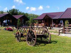 Calatorule..... bine ai venit la pensiunea noastra din frumoasa zona Cheile Nerei - Beusnita, un loc linistit unde relaxarea isi poate spune cuvantul. Old Wagons, Cannon, Houses