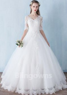 2017 bridal half sleeve plus size slim double-shoulder V-neck Lace Wedding  Dress 2017 Romantic Robe De Mariage Vestido De Noiva daff2cb5f191