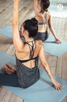 Practice freely in the 2-in-1 Raise The Barre Tank.