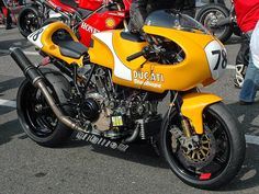 Ducati Racing Machine - Wow #caferacer | caferacerpasion.com