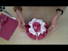 Le Lotus Etalmag Pliage de serviettes – Rebel Without Applause Paper Flower Decor, Tissue Paper Flowers, Flower Decorations, Lace Tattoo, Lotus Tattoo, Tattoo You, Lotus Art, Christmas Napkins, Napkin Folding